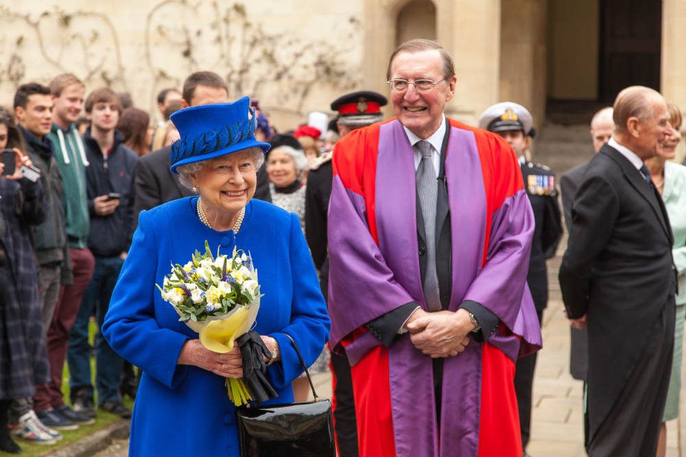 Queen at Oriel - academic photography